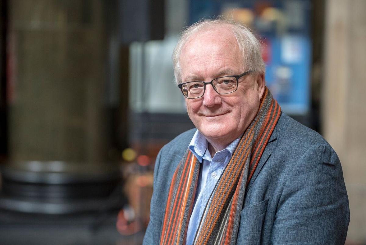 Professor Simon Tavaré Takes Aim at Cancer with Math